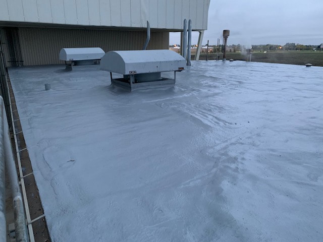 Installation Seamless Foam Roofing East Texas